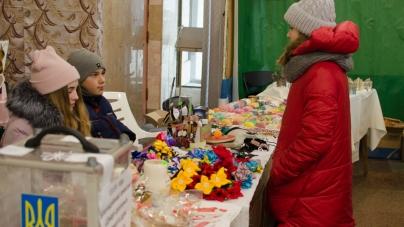 У кінотеатрі «Жовтень» збирали гроші на допомогу дітям-сиротам (ФОТО)