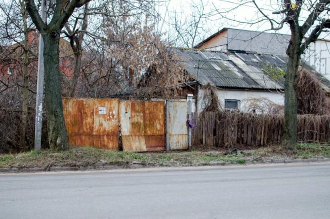 ВАДИ, ХИБИ ТА ОГРІХИ: що не так із вулицею Гоголівською (ФОТО)