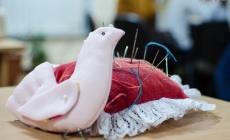 Як маленьких і дорослих житомирян вчили робити інтер'єрну іграшку «Птаха-оберіг» (ФОТО)