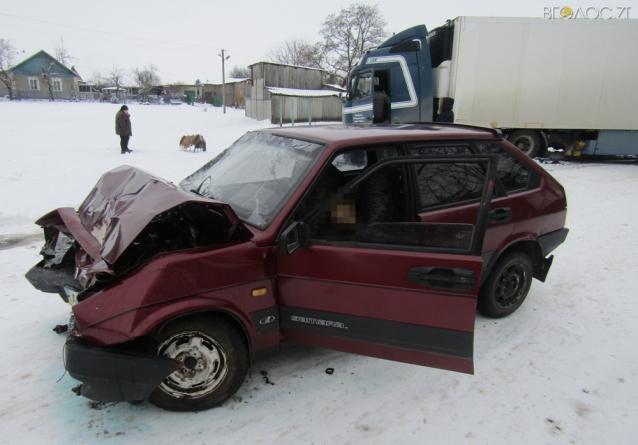 У Чуднівському районі під час ДТП загинув водій легковика