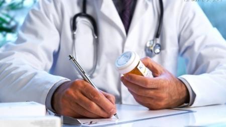 Майже 100 тисяч житомиряни підписали декларації з сімейними лікарями. Найактивніші пацієнти віком 40+