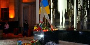 У День Героїв Небесної Сотні зібралися сотні житомирян на Віче пам'яті (ФОТО)