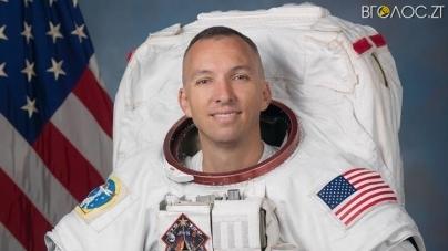 Житомир відвідає астронавт NASA, який усиновив українського хлопчика