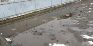 Через різке потепління у Малині потопають у воді цілі мікрорайони (ФОТО)