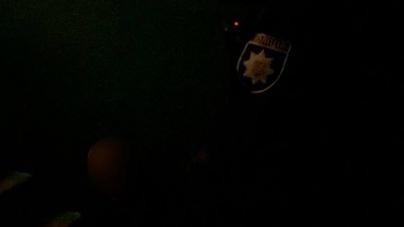 У під'їзді будинку на Великій Бердичівській підрізали чоловіка