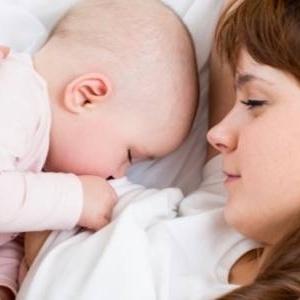 В області за вересень народилися 917 дітей. Кожному обіцяють пакунок малюка
