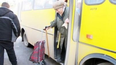 Тепер пільговики мають право на безкоштовний проїзд у міських маршрутках без обмежень у часі, – депутат