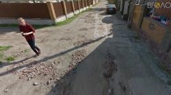 Кілька років поспіль жителі провулку Слуцького просять міськраду відремонтувати дорогу