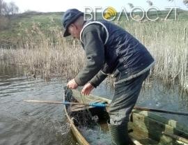 Житомирщина: 94 порушення за 15 днів нересту риби