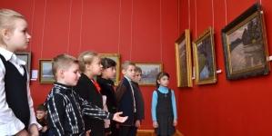 Краєзнавчий музей: школярі Житомира долучилися до Дня тихого мистецтва (ФОТО)