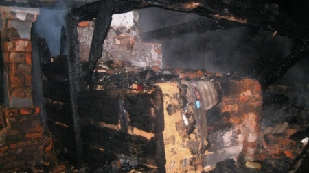 Під час пожежі у Коростенському районі рятувальники знайшли тіло чоловіка