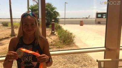 Житомирянка Юлія Єлістратова здобула «золото» на Кубку Африки з триатлону
