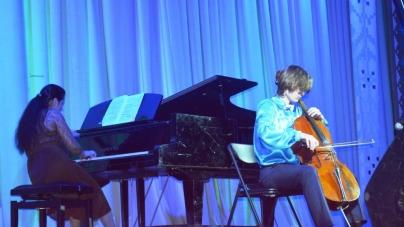 Учні житомирських шкіл естетичного виховання під час гала-концерту показали свої здібності (ФОТО)