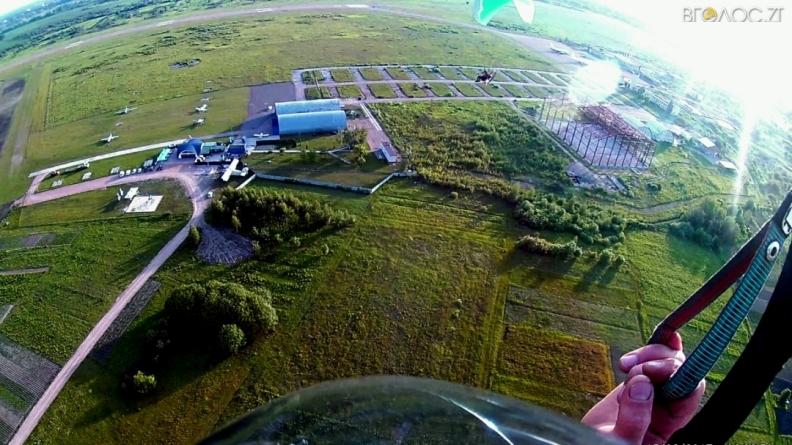 Жителі Смоківки потерпають від «низьких» польотів приватних літаків