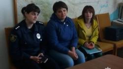 У Чуднівському районі мати покинула 2-річну дитину у замкненій оселі. Голодного та заплаканого малюка поліції допомогли врятувати сусіди