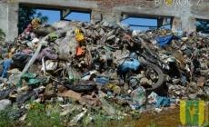 """Декілька вантажівок """"львівського сміття"""" висипали у Новоград-Волинському районі"""