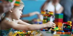 Усі першокласники області отримають для навчання набори Lego