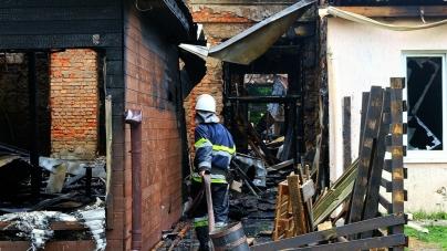 Жахлива пожежа у Новограді: горіли молодіжний центр, кінотеатр, магазини, спортзал та кафе
