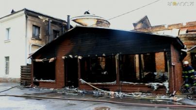 «Літнє» кафе, яке стало осередком масштабної пожежі у кінотеатрі, було побудоване незаконно