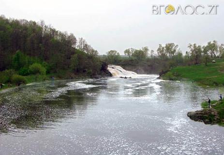 Під Житомиром у річці втопилася іномарка: загинув рибалка, який спав у автомобілі