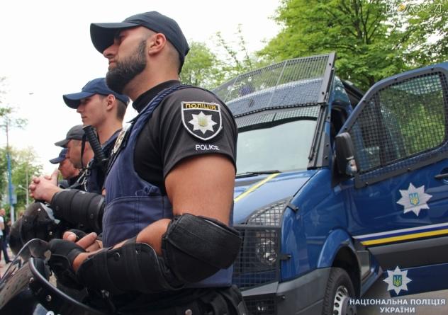 У Житомирі представили підрозділ тактичної поліції для реагування на «важкі випадки»