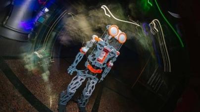 У Житомирському музеї космонавтики з'явився робот, який допомагатиме проводити екскурсії