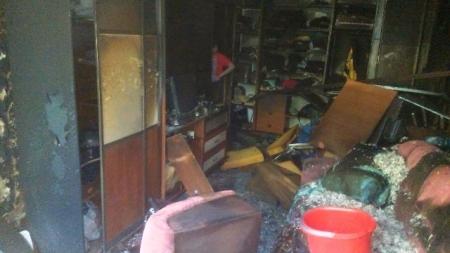 Через пожежу у п'ятиповерхівці на Вітрука довелося евакуйовувати людей