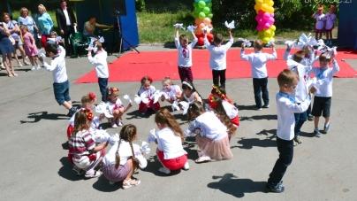 На Корбутівцідепутати влаштували свято для дітей і їх батьків (ФОТО)