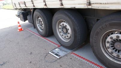 Водія, який перевозив металобрухт, оштрафували на понад 6,5 тисяч євро