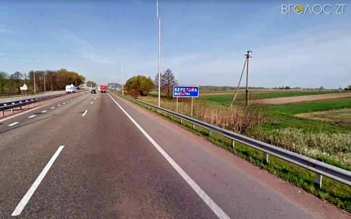 На узбіччі дороги у Житомирському районі знайшли тіло жінки, яка загинула під час ДТП