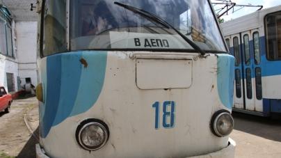 Житомиряни просять міськраду зберегти рідкісні моделі трамваїв, а не «різати» їх на метал