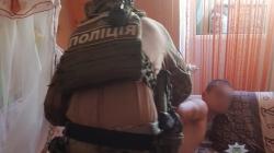 Поліцейські затримали бердичівлянина, який використовував 8-місячну доньку для створення порно