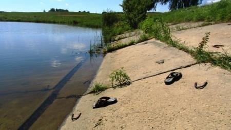 В Овруцькому районі на озері потонули двоє 10-річних хлопчиків