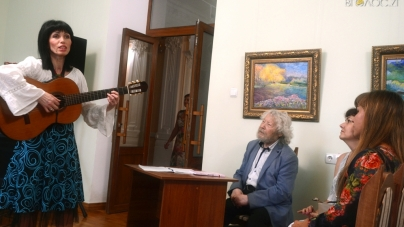 """У Житомирі презентували виставку """"Кольори долі"""" (ФОТО)"""