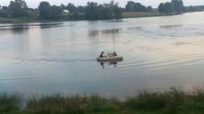 В Олевському районі втопився чоловік, який хотів перепливти річку