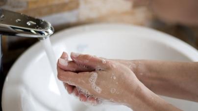 Як помити руки на весіллі? Житомиряни просять перенести відключення води на будні дні