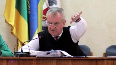 У Новограді «під ялинку» можуть отримати відставку міського голови