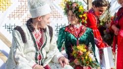 У Житомирі з народними обрядами відгуляли загальноміське Покровське весілля  (ЧАСТИНА 1)