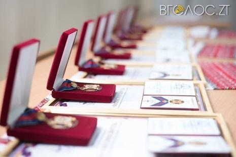 Два лікарі з Житомирщини отримали почесні нагороди «За спасіння життя»