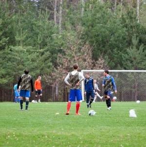 Облрада встановить систему поливу для комунальної спортивної бази