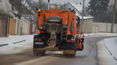 Житомирські комунальники придбають за майже чверть мільйона обладнання для розкидання піску