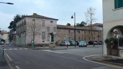 Сухомлин відрядив себе і директора комунального підприємства до Італії