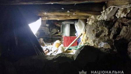 На Житомирщині поліцейські затримали у підземному сховищі озброєного підозрюваного у вбивстві