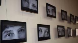 У Житомирському інституті медсестринства презентували фотовиставку людських очей