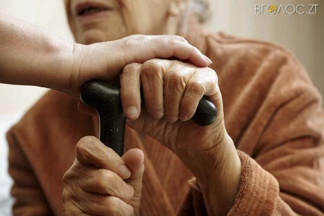Псевдоконтролери вкрали значну суму грошей у 87-річної житомирянки