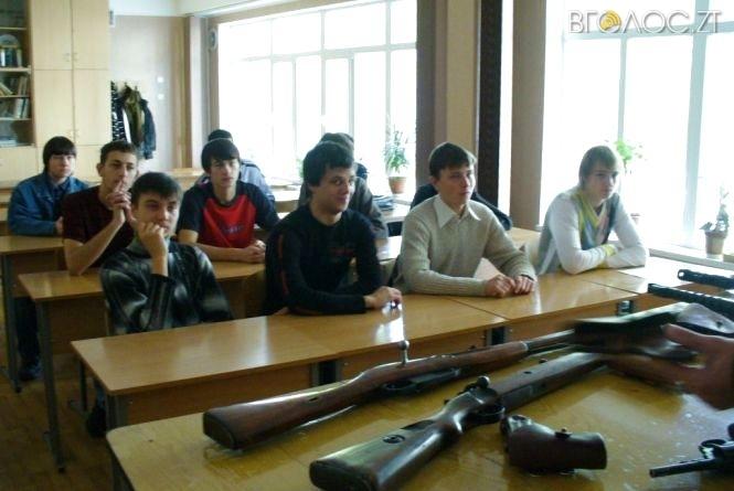 У Житомирі частина вчителів, які викладають «Захист Вітчизни», без військової освіти