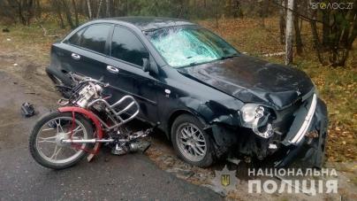 Від зіткнення з автомобілем у Радомишльському районі загинув водій мопеда