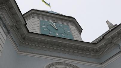Вже втретє цьогоріч не працює головний годинник Житомира