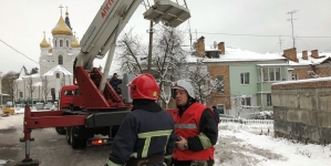 У Житомирі вогнеборці врятували 5 чоловік та загасили імітовану пожежу в готелі