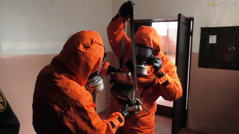 Виявлили небезпечні хімічні речовини: у одній із шкіл Житомира відбулися тренування рятувальників